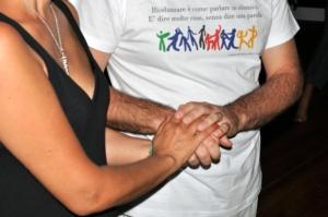 biodanza mani nelle mani